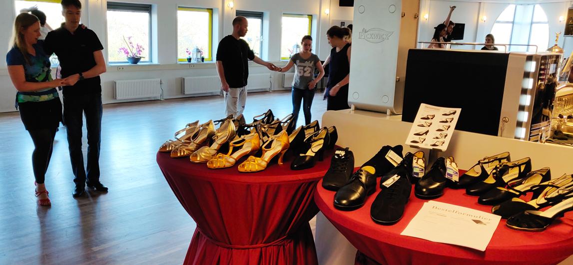 Dansschoenen verkoop bij uw Dansschool