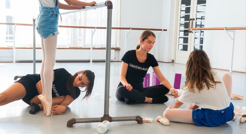 Spitzen aanmeten bij Balletopleidingen in Arnhem